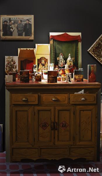 董媛 《姥姥家-神龛》绘画装置